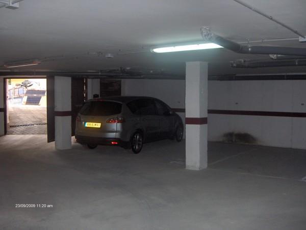 garage en sous sol avec acces privatif location d 39 un appartement garrucha village de p cheur. Black Bedroom Furniture Sets. Home Design Ideas